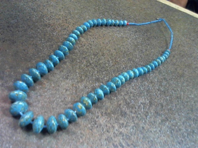 BEADED TURQ NECKLACE