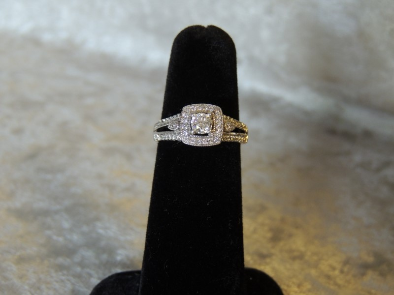 Lady's Diamond Solitaire Ring 51 Diamonds .494 Carat T.W. 14K White Gold 3.3g