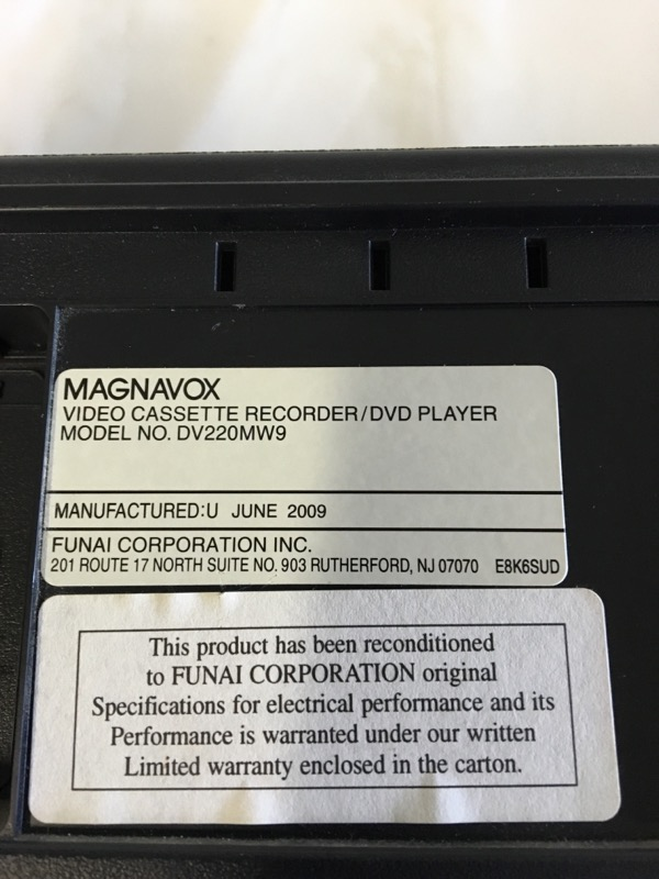MAGNAVOX DVD Player DV220MW9