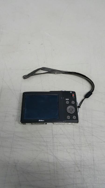 Nikon COOLPIX S3300 16.0 MP Digital Camera - Silver