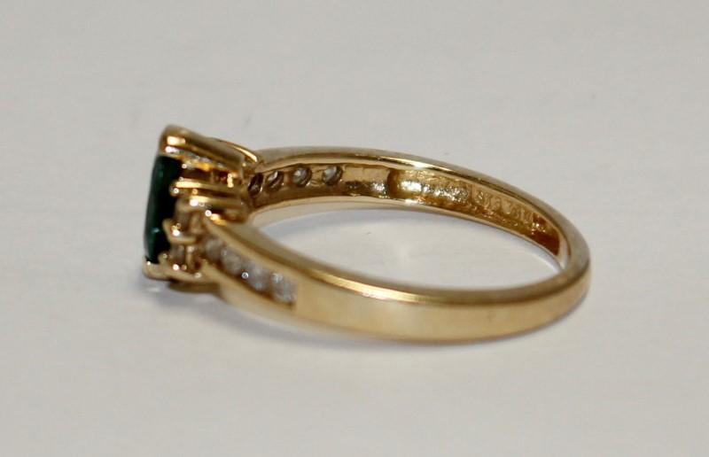 Emerald Lady's Stone & Diamond Ring 12 Diamonds .24 Carat T.W. 14K Yellow Gold