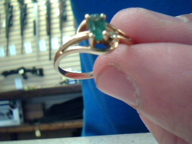 Emerald Lady's Stone & Diamond Ring .01 CT. 10K Yellow Gold 1.5g Size:6.3