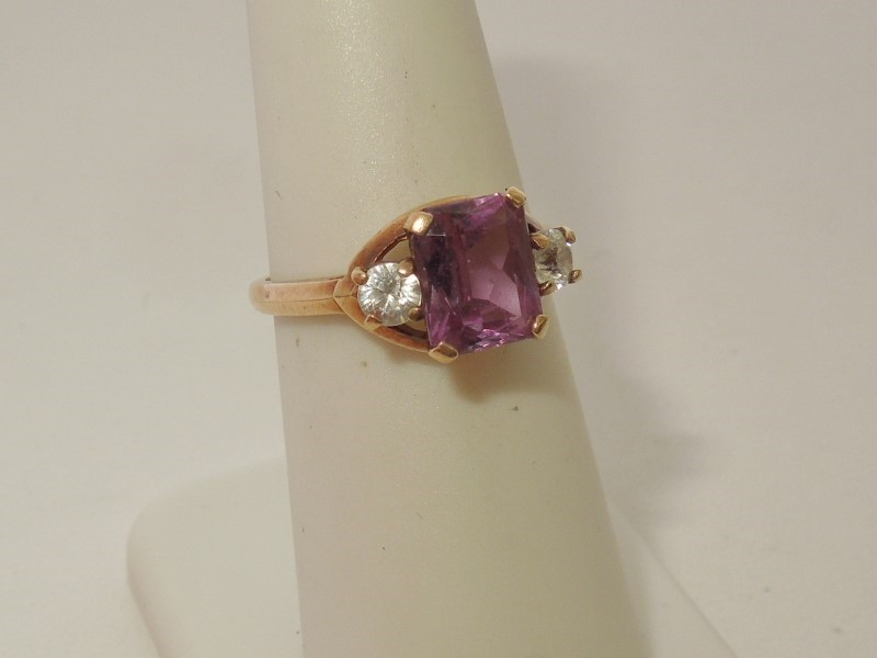 Synthetic Alexandrite Lady's Stone Ring 10K Yellow Gold 2.7g