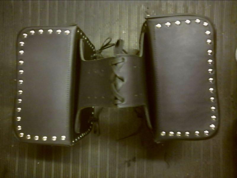 BORDER Apparel/Merchandise LEATHER CS103