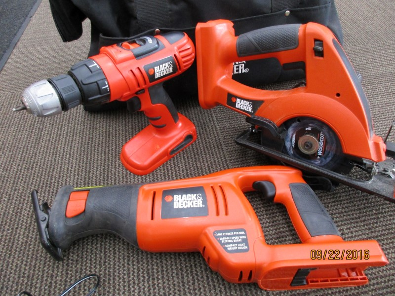 BLACK&DECKER CORDLESS SET - 18V NICD HPB18 - RECIPROCATING SAW, DRILL, CIRCULAR