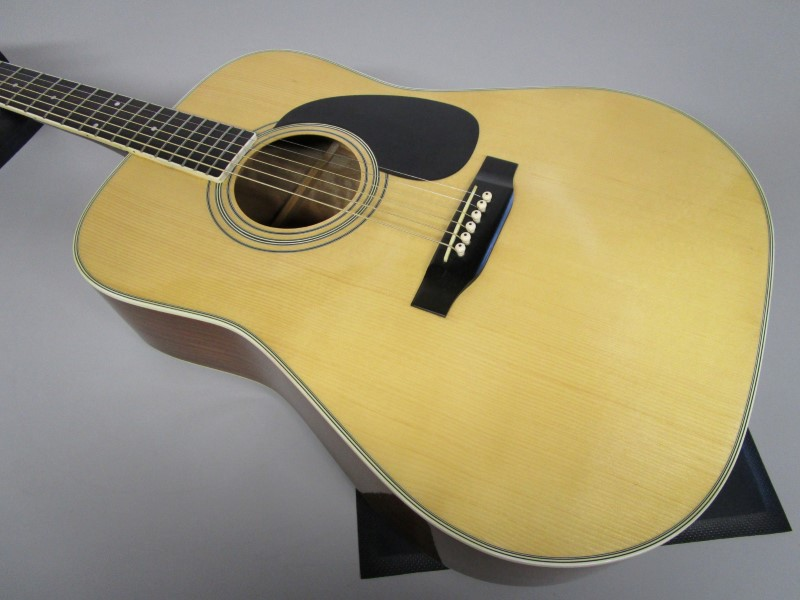 YAMAKI YW-20 ACOUSTIC GUITAR, MADE IN JAPAN