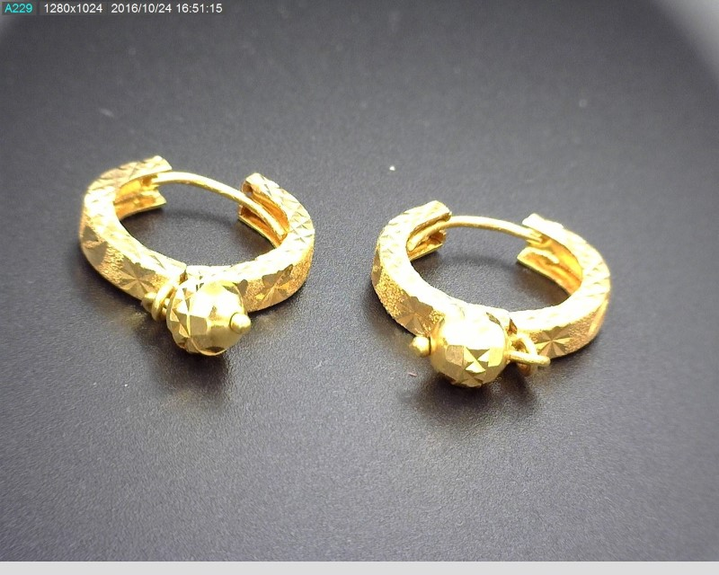 21K YG EARRINGS  4.7G