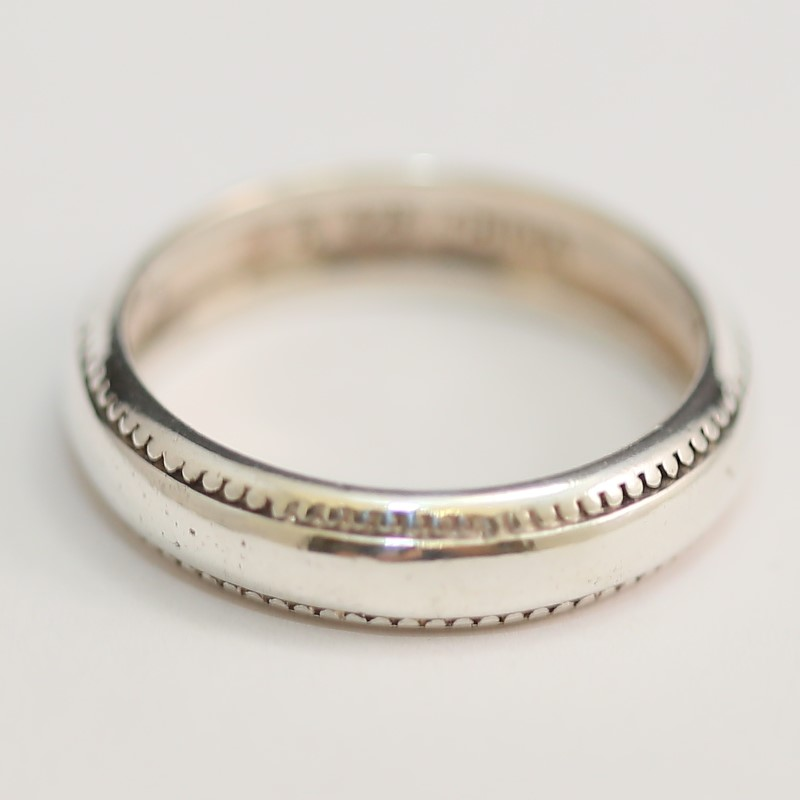 Scalloped Edge Comfort Fit Sterling Silver Band Size 7.75