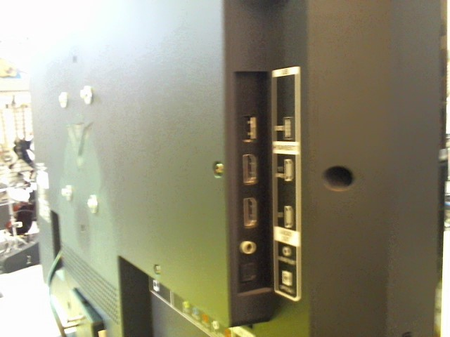 VIZIO Flat Panel Television FLAT PANEL TV MODEL E320I-A0