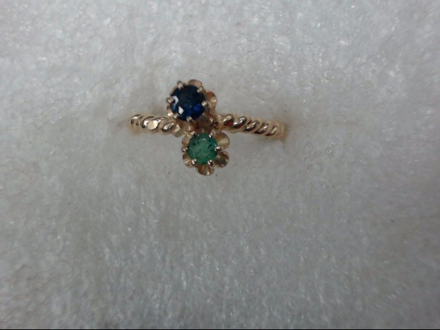 Green Stone Lady's Stone Ring 10K Yellow Gold 1.46dwt
