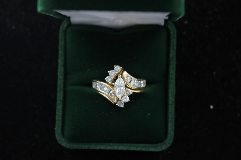 Lady's Diamond Wedding Set 21 Diamonds 1.93 Carat T.W. 14K Yellow Gold 6.8dwt
