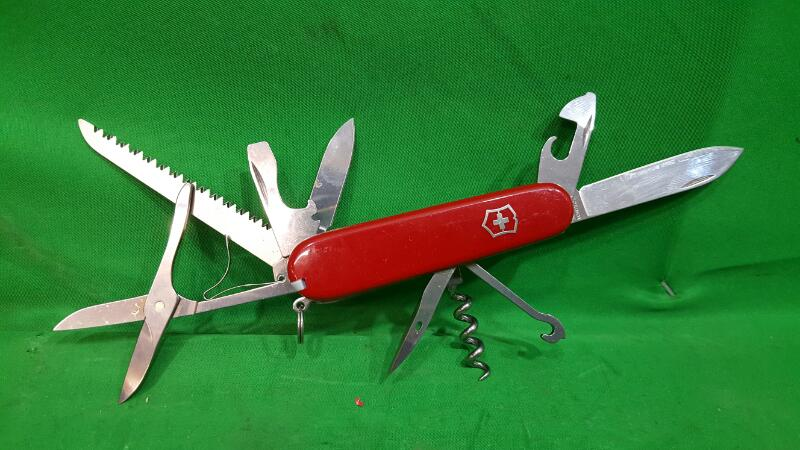 VICTORINOX Pocket Knife OFFICIER SUISSE