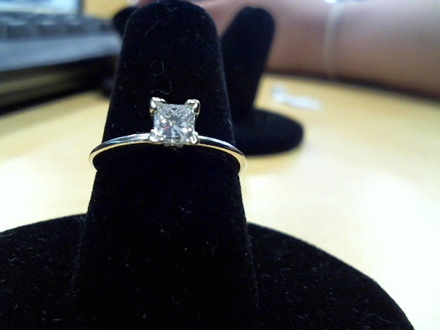 Lady's Diamond Solitaire Ring .30 CT. 14K White Gold 1.9g