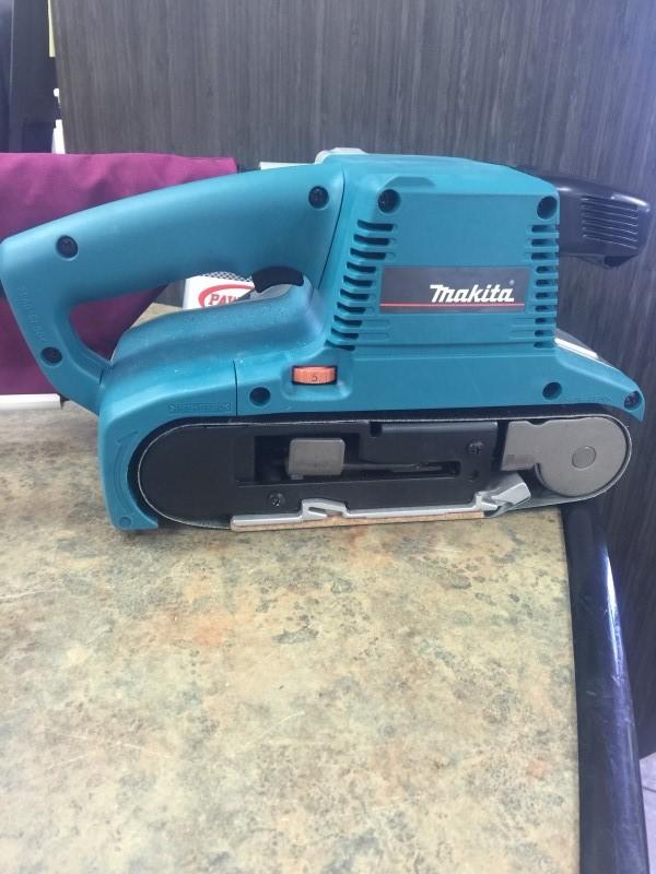 MAKITA Belt Sander 9903