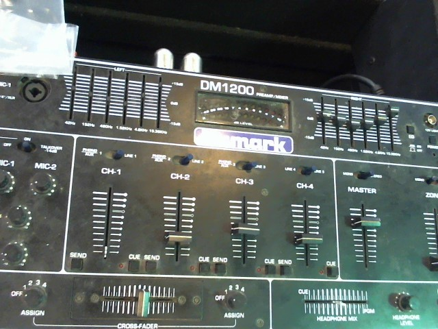 NUMARK ELECTRONICS Mixer DM-1200