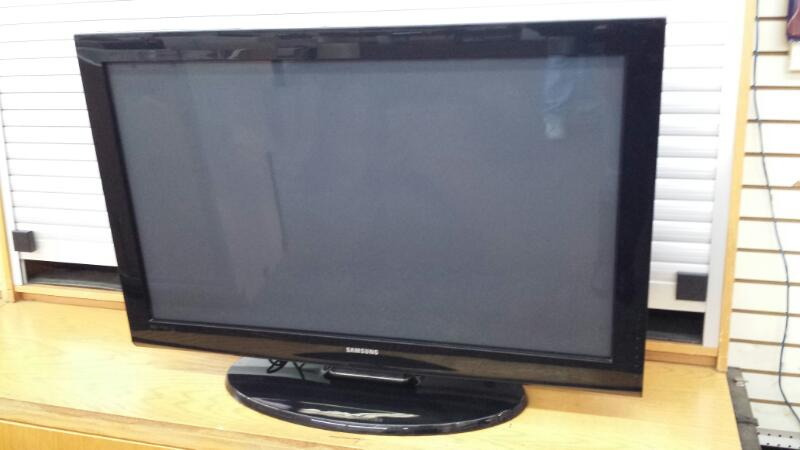 "Samsung Model PN42B400P3 42"" Plasma TV"