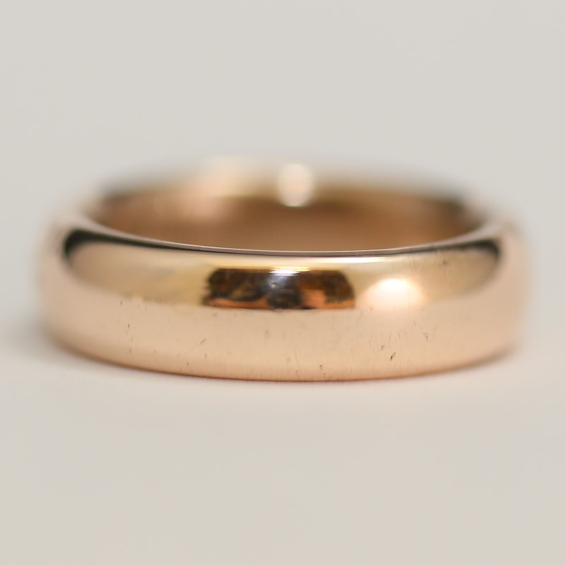 9K Rose Gold Comfort Fit with Matte Finish Wedding Band Size 5.5 Fall