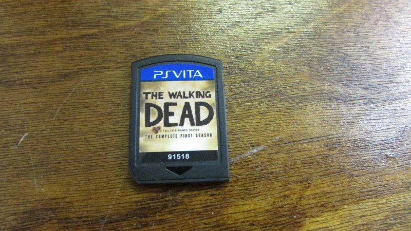 PSVITA - THE WALKING DEAD THE COMPLETE FIRST SEASON - NO CASE