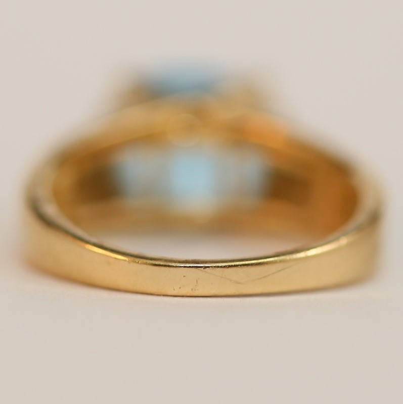 10K Yellow Gold Cushion Cut Blue Topaz Ring Size 7