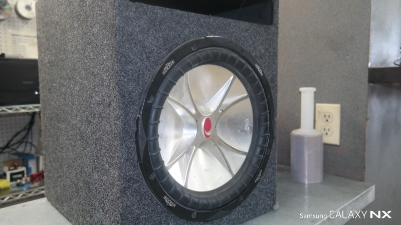 "KICKER Car Speakers/Speaker System CVR TWO 12"" IN A BOX"