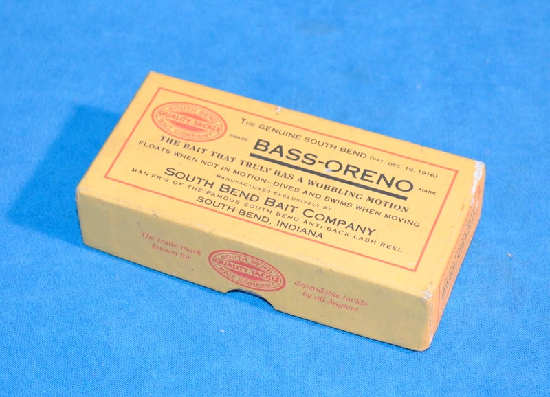 VINTAGE SOUTH BEND BAIT COMPANY BASS-ORENO BASS FISHING LURE
