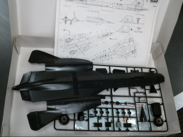 ACADEMY MODEL KITS Model Railroad/Train SR-71A