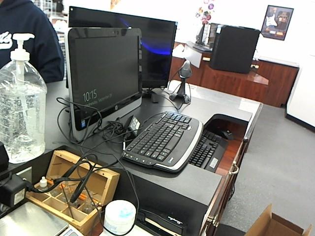 HEWLETT PACKARD PC Desktop HP19-2113W ALL IN ONE