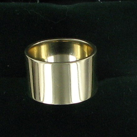 Lady's Gold Ring 14K Yellow Gold 6.6dwt