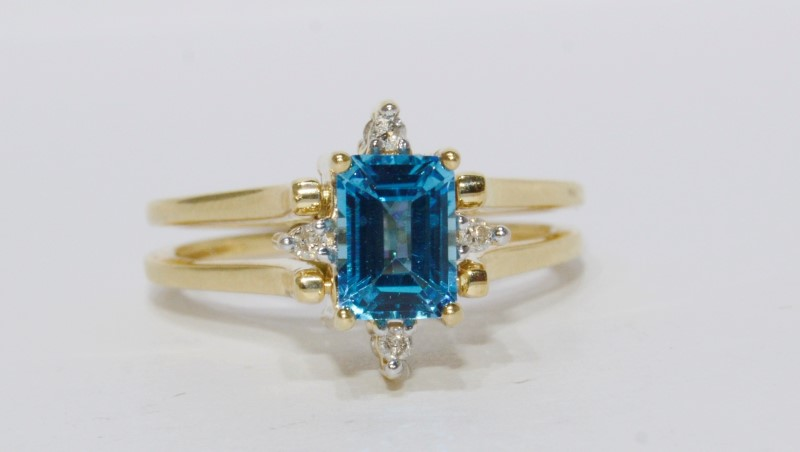 14K Yellow Gold Emerald Cut Blue & Mystic Topaz Reversible Flip Ring w/ Diamonds