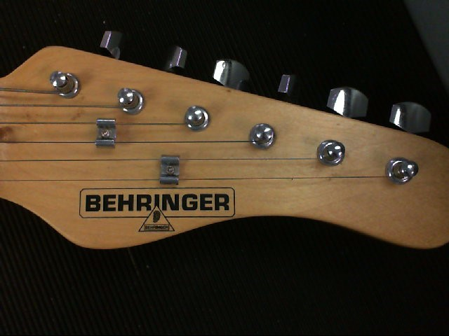 BEHRINGER Electric Guitar IAXE-393