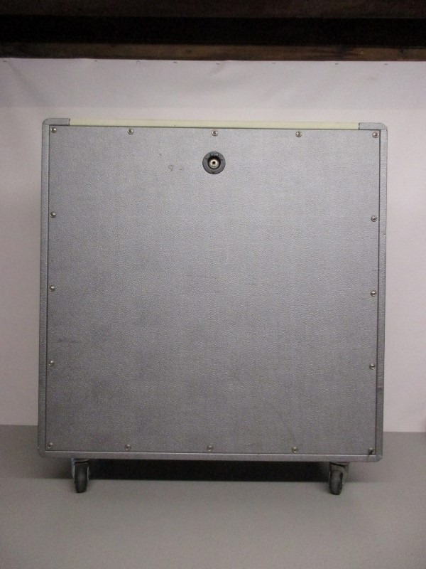 DIVIDED BY THIRTEEN 4X12 GUITAR SPEAKER CABINET, SILVER