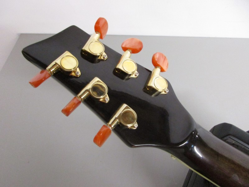 KONA GUITARS SIGNATURE JUMBO ACOUSTIC/ELECTRIC GUITAR
