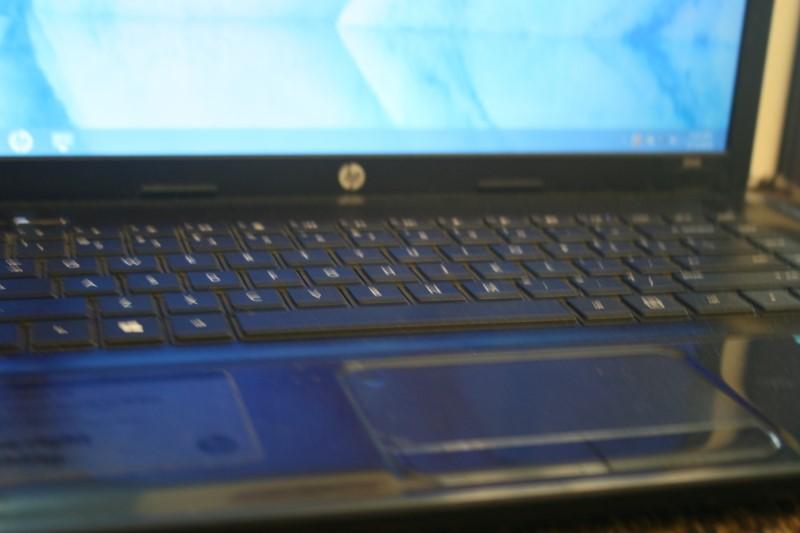 """HP 2000-2B29WM 15.6"""" Intel B960 2.2GHz 4GB 500GB Win 8 Black"""