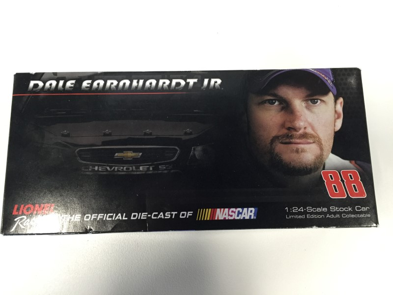 LIONEL RACING Toy Vehicle DALE EARNHARDT JR DIE CAST CAR