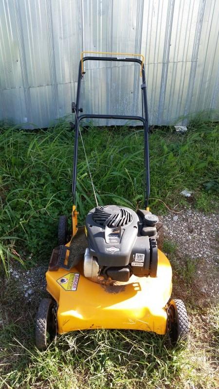 Poulan 4.50 HP / 125cc Gas Push Lawnmower