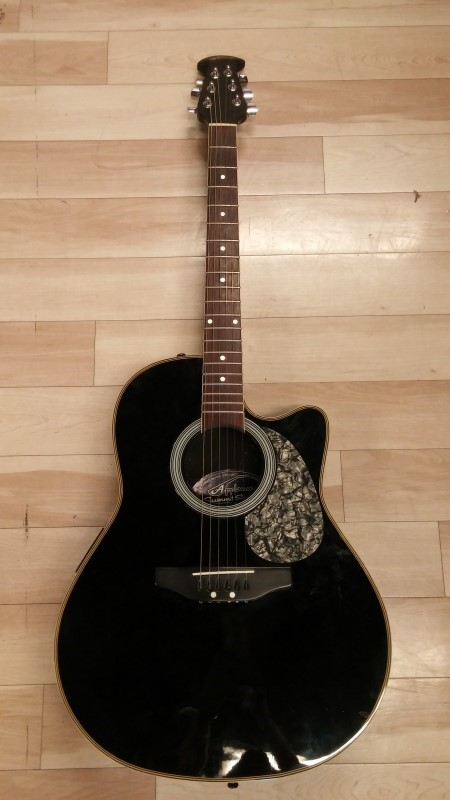 OVATION Electric-Acoustic Guitar APPLAUSE