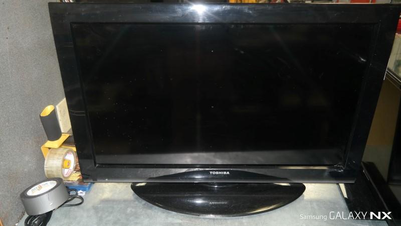 TOSHIBA Flat Panel Television 32C120U1