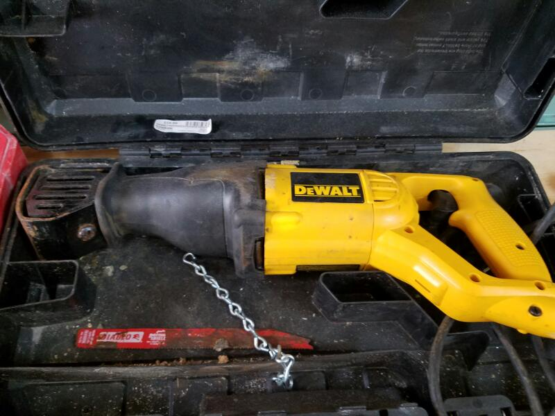DEWALT Reciprocating Saw DW304PK RECIPROCATING SAW