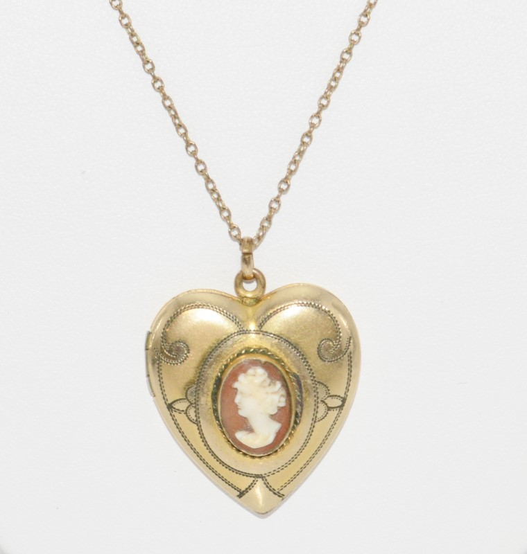 Vintage Stetson Chain Co. 1/20 12K Gold Filled Etched Filigree Cameo Locket