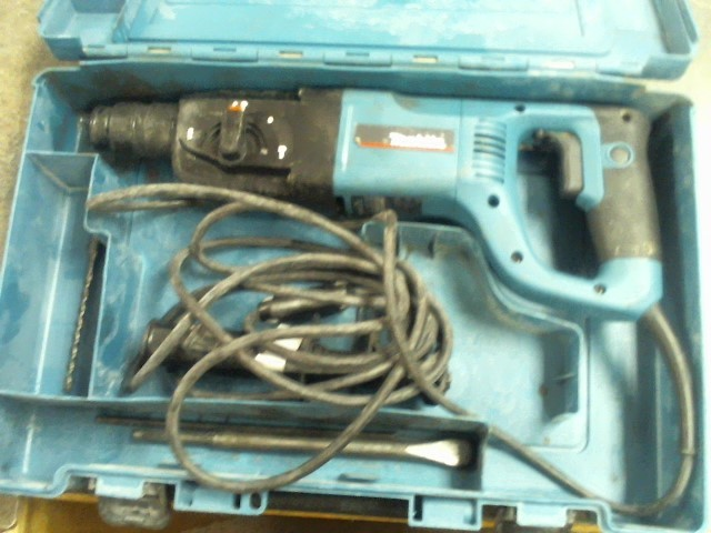 MAKITA ROTARY HAMMER DRILL WITH CASE HR 2455