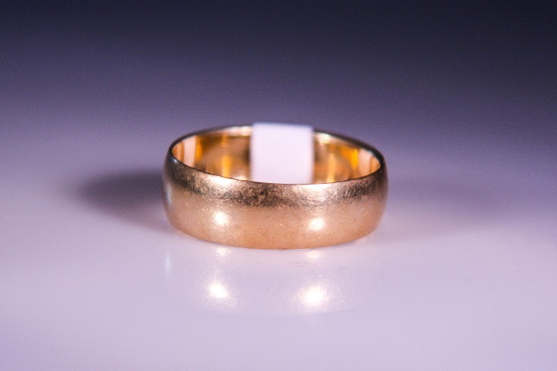 Lady's Gold Ring 10K Yellow Gold 3.8g Size:8