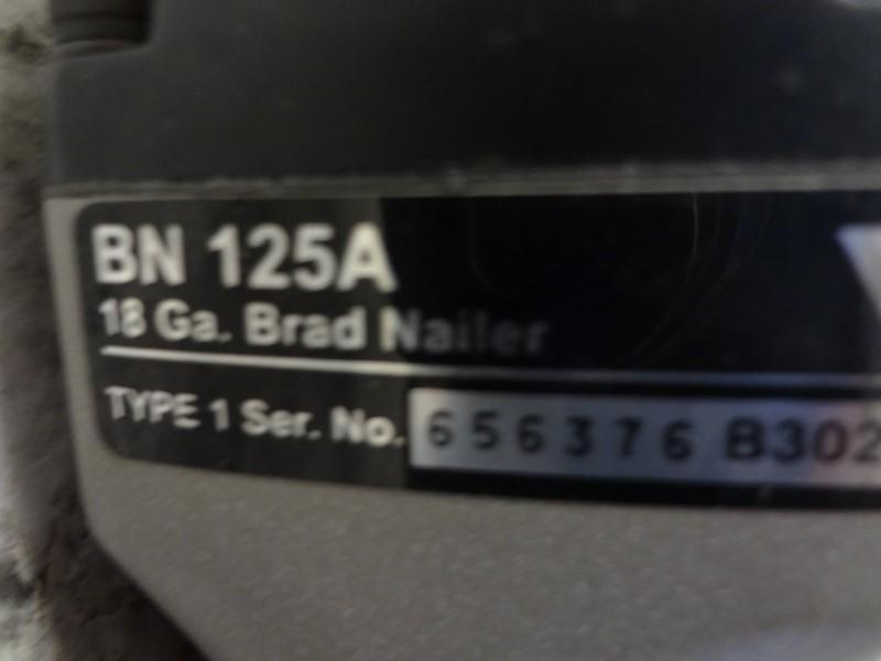 "PORTER CABLE BN125A 5/8"" - 1-1/4"" 18-GAUGE BRAD NAILER WITH CASE"