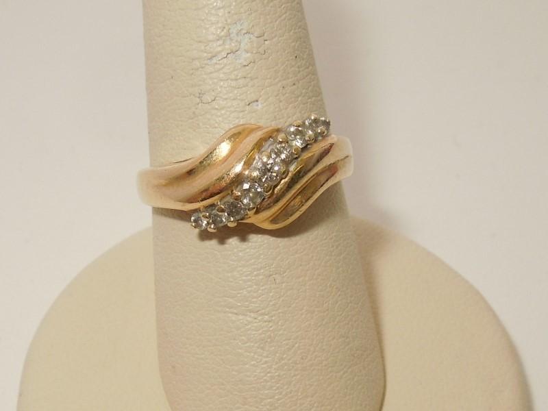Lady's Diamond Cluster Ring 9 Diamonds .25 Carat T.W. 14K Yellow Gold 4.9g