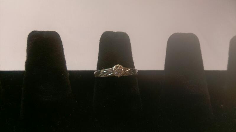 Lady's Gold Ring 10K Yellow Gold 4.8g