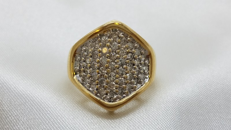 Lady's Diamond Cluster Ring 33 Diamonds .99 Carat T.W. 14K Yellow Gold 5.9g