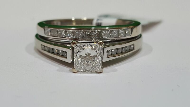 Lady's Diamond Wedding Set 24 Diamonds 1.17 Carat T.W. 18K White Gold 6.6g