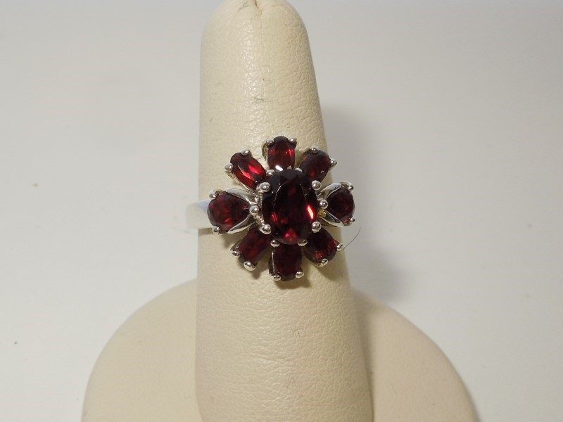 Synthetic Almandite Garnet Lady's Silver & Stone Ring 925 Silver 5.5g