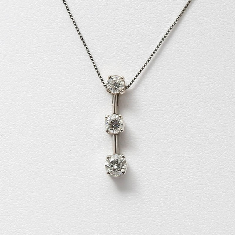 "17"" 14K White Gold 3 Stone Round Brilliant Diamond Necklace"