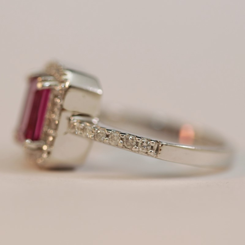 14K White Gold Pink Sapphire & Diamond Ring Size 7