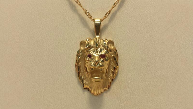 14k Yellow Gold Chain with 2 Red Stones in Eyes of Lion Pendant - 3.7dwt